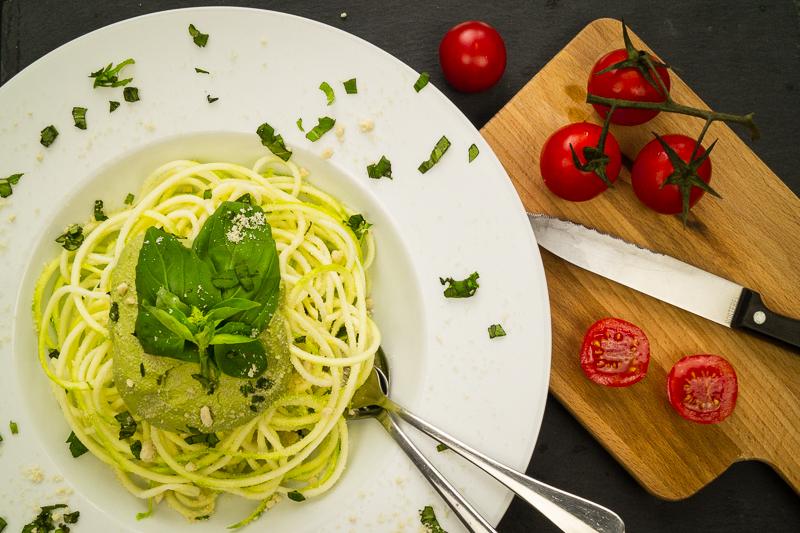 Zucchini Spaghetti Basilikum Pesto_1